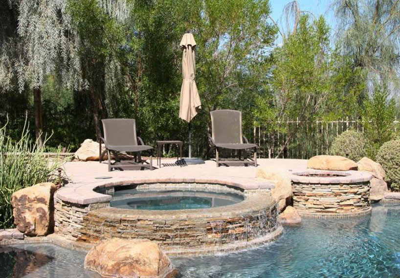 Swimming pools a website about pools spas featuring for In ground spa