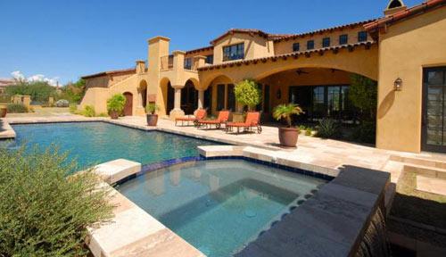 Large Spa & Pool