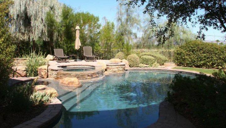 Stone Spa & Pool